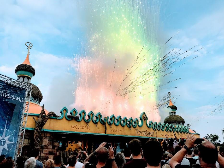VIDEO Opening nieuwe achtbaan in Legoland en op avontuur in Vejle